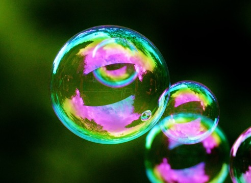 soap-bubbles-817094_1920